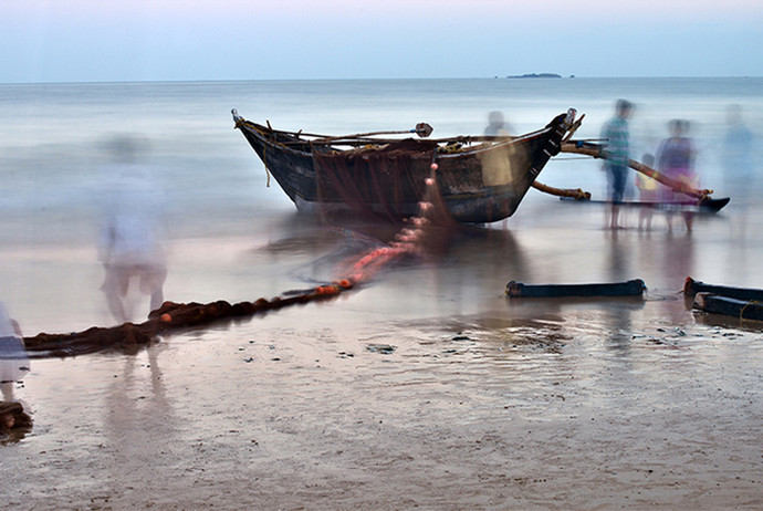 Boat 1 by Amit Bhandare, Image Photography, Digital Print on Paper, Gray color