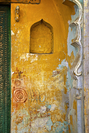 Graffiti Alcove by Sanjay Nanda, Image Photograph, Digital Print on Canvas, Brown color