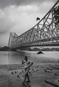 Morning in Howrah by SRIJAN NANDAN, Image Photography, Digital Print on Archival Paper,